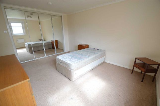 Bedroom 1 of Arranview Street, Chapelhall, Airdrie ML6