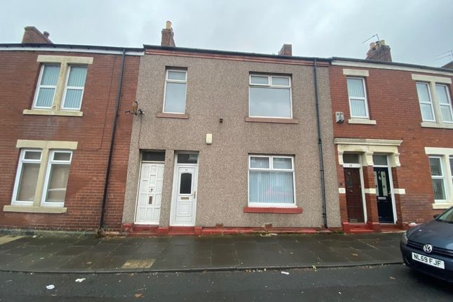 3 bed flat to rent in Chirton West View, North Shields NE29