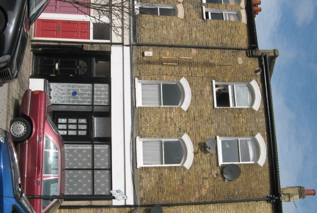 Flats to let in endlesham road london sw12 apartments to rent thumbnail flat to rent in oldridge road balham london malvernweather Choice Image