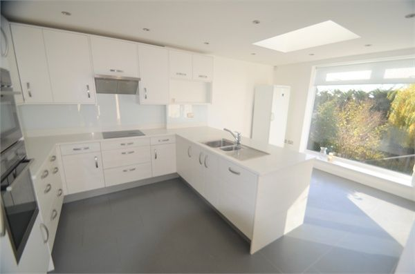 Thumbnail Semi-detached house to rent in The Reddings, London