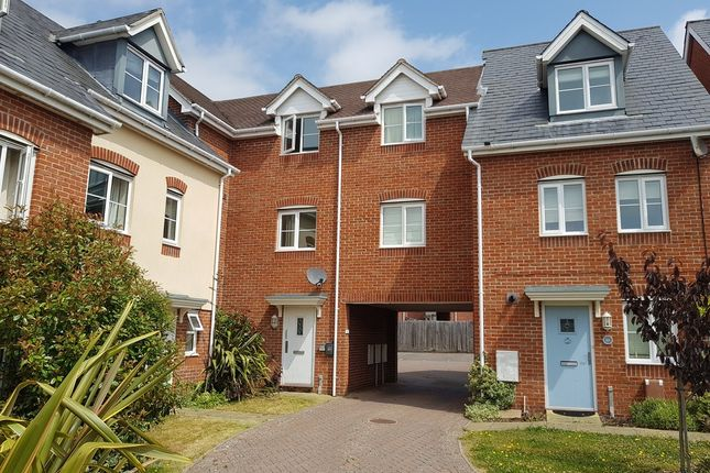 Thumbnail Flat to rent in Bostock Road, Chichester