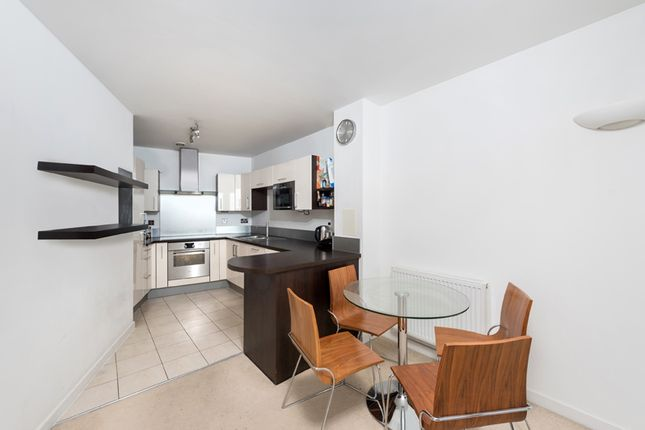 Thumbnail Flat to rent in Mapleton Road, Wandsworth, London