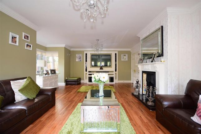 Thumbnail Detached house for sale in Treetops View, Loughton, Essex