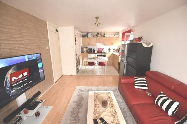 1 bed flat for sale in Victoria Crescent, London N15