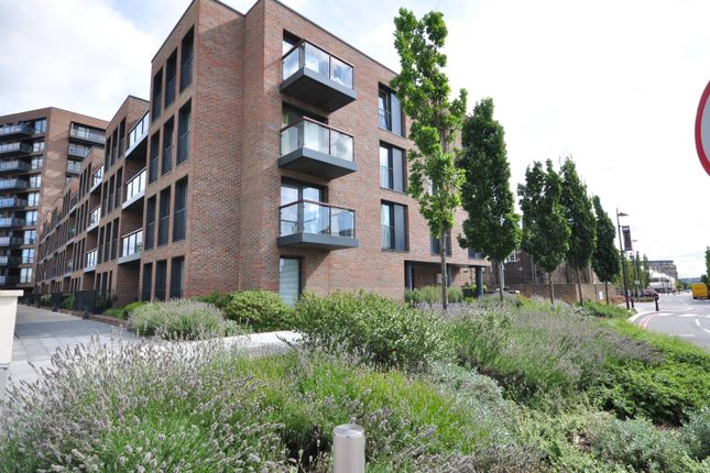 Thumbnail Flat to rent in Imperial Building, 2 Duke Of Wellington Avenue, Royal Arsenal