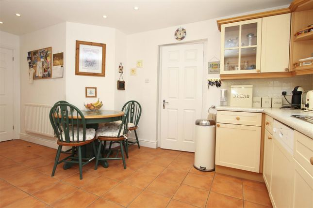 Lounge of Applewood Close, Ickenham, Uxbridge UB10
