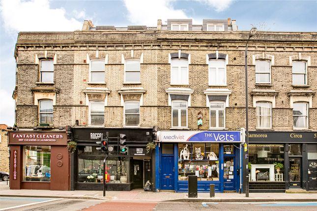 Flat for sale in Battersea Park Road, London