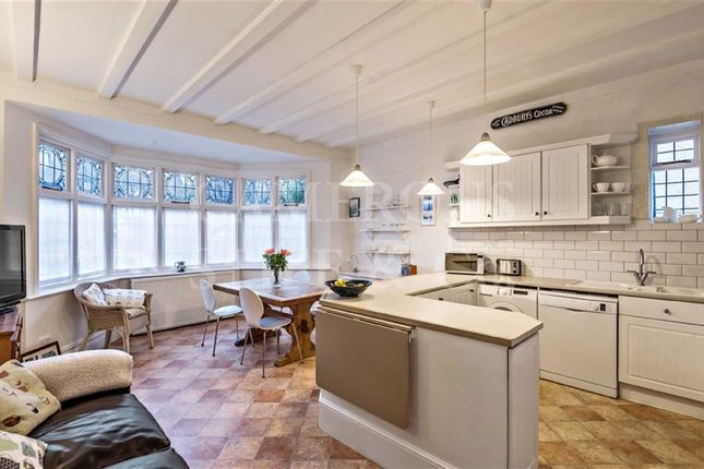 Thumbnail Flat for sale in St Gabriels Road, Mapesbury Conservation, Willesden Green, London