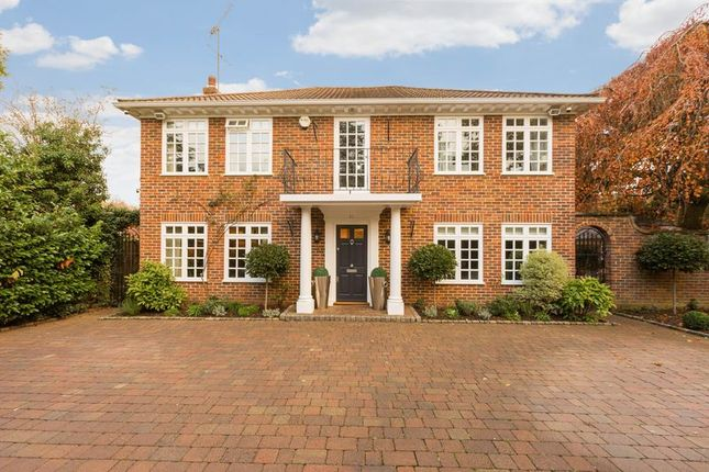 Thumbnail Detached house for sale in Islet Park Drive, Maidenhead