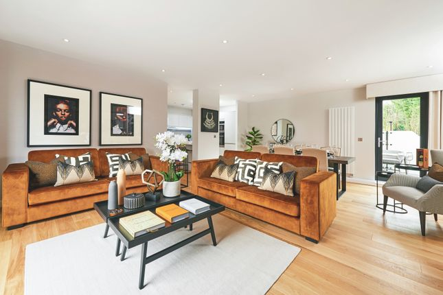 Thumbnail Flat for sale in Southdown Road, Harpenden