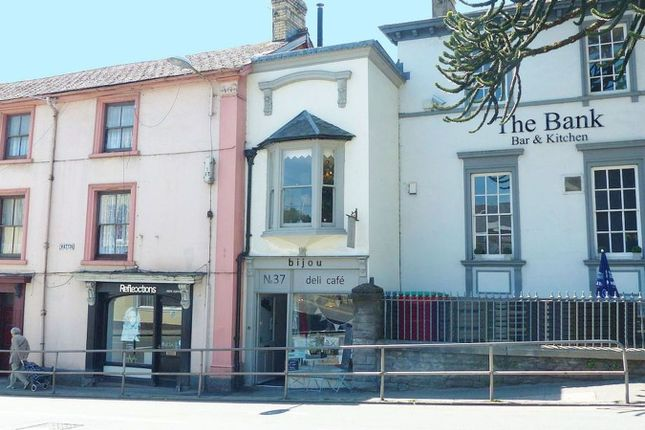 Thumbnail Restaurant/cafe for sale in Watton, Brecon