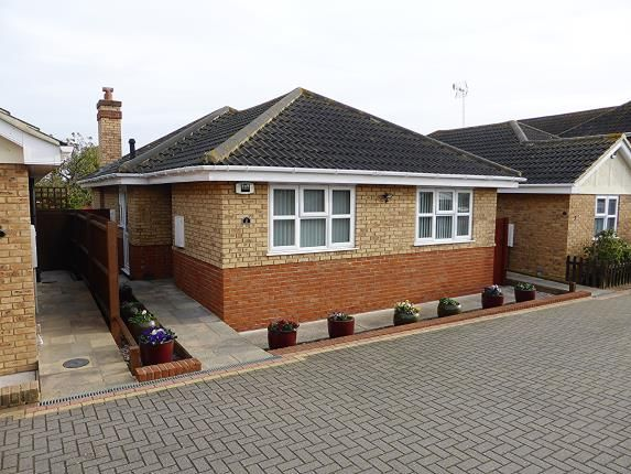 Thumbnail Bungalow for sale in Hockley Essex