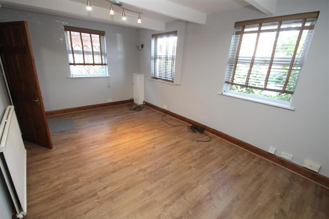 Thumbnail Property to rent in St. Pauls Avenue, Slough