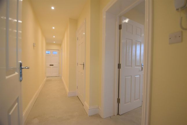 2 bed flat to rent in Worcester Road, Pershore WR10