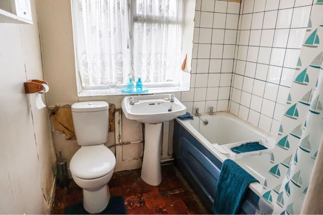 Bathroom of Darwick Drive, Huyton, Liverpool L36