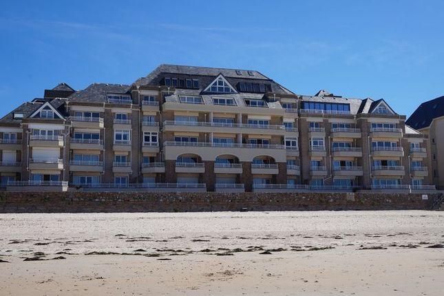 Thumbnail Flat for sale in Penthouse Apartment, Greve D'azette, Jersey