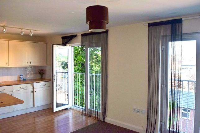 Thumbnail Flat to rent in Burrows Court, Park Lane, Kidderminster, Worcestershire.