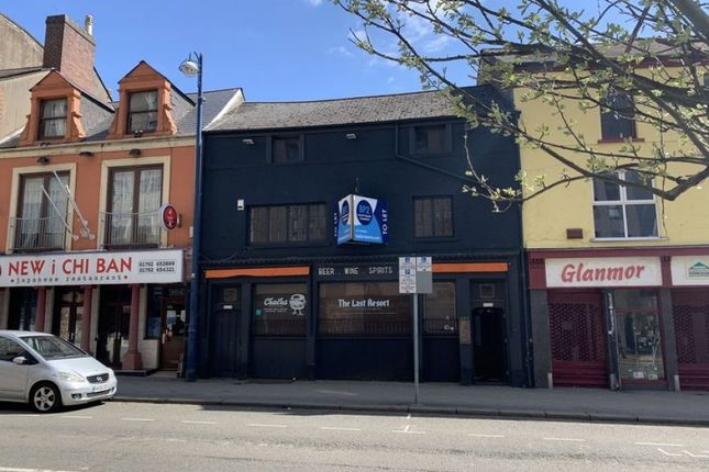 Leisure/hospitality to let in Tom Williams Court, High Street, Swansea