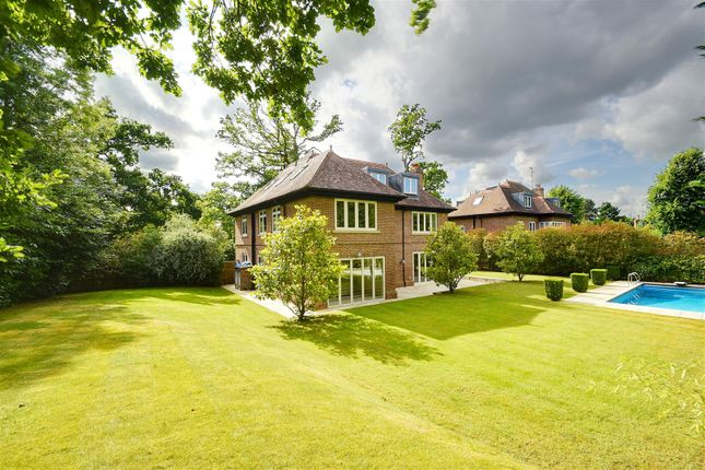 Thumbnail Detached house for sale in Greenoak Place, Hadley Wood