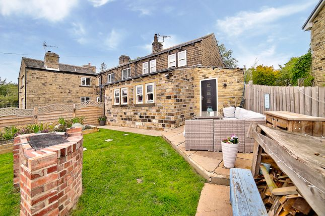 Thumbnail Cottage for sale in Far Bank, Shelley, Huddersfield