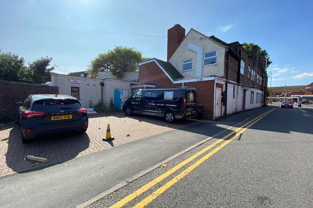 Room to rent in Mill Street, Brierley Hill DY5