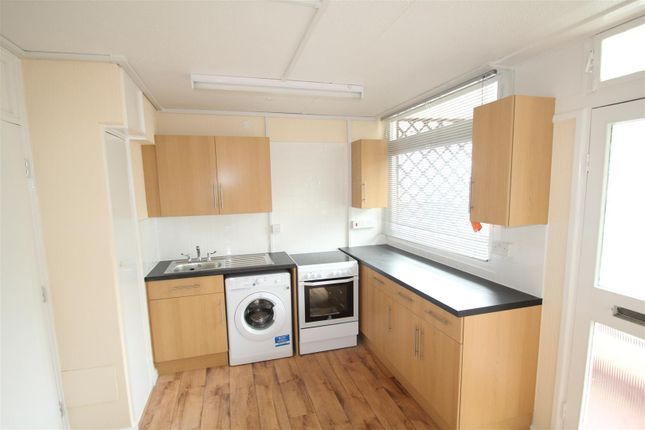 Thumbnail Property to rent in Redpoll Way, Erith
