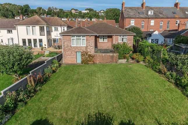 3 bed detached bungalow for sale in wells road