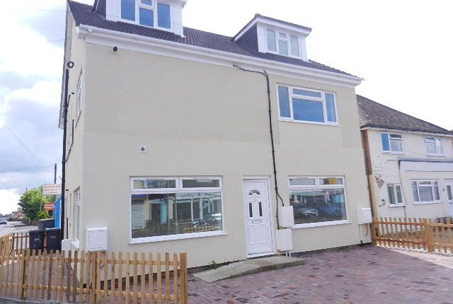 Thumbnail Flat to rent in Creek Road, Hayling Island