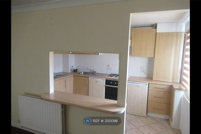 Thumbnail Flat to rent in Roston Court, Salford