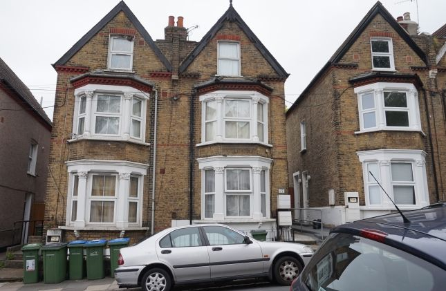 Thumbnail Flat to rent in Manthorp Road, London