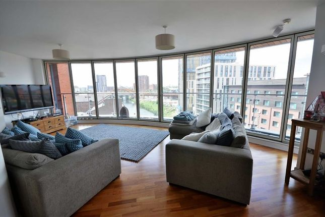 Thumbnail Flat for sale in Leftbank, Spinningfields, Manchester