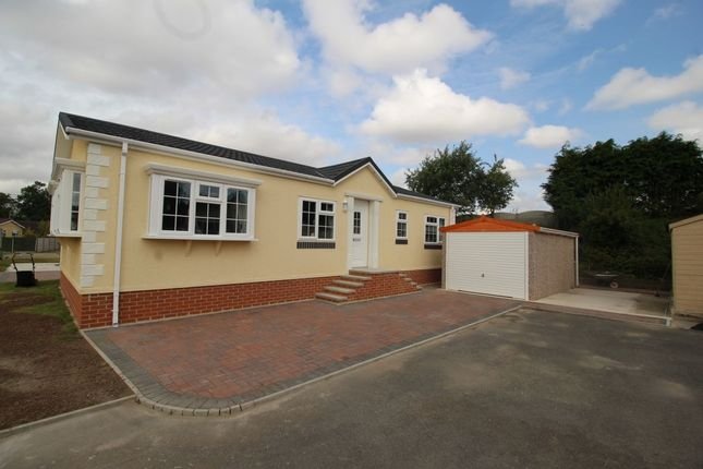Thumbnail Bungalow for sale in Harpswell Hill Park, Hemswell, Gainsborough