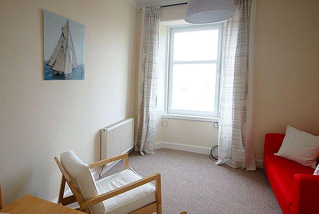 Flat to rent in Edinburgh