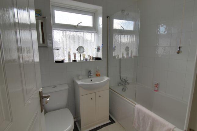 Bathroom of Belmont Close, Kingsteignton, Newton Abbot TQ12