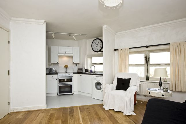 1 bed flat to rent in Salisbury Place, London SW9