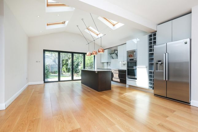 Thumbnail Property to rent in Kingsway, London