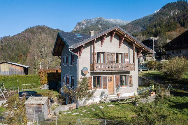 Thumbnail Chalet for sale in Route D'essert La Pierrre, Haute-Savoie, Rhône-Alpes, France