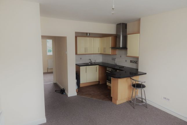 Thumbnail Flat to rent in Devonport Rd, Stoke, Plymouth