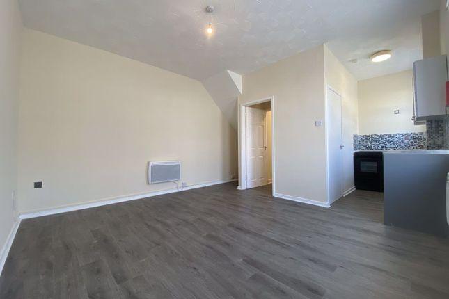 Thumbnail Flat to rent in Railway Street, Splott, Cardiff