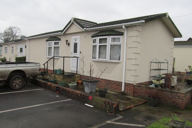 Thumbnail Mobile/park home for sale in Devon Close, Yorktown Road, Sandhurst, Berkshire