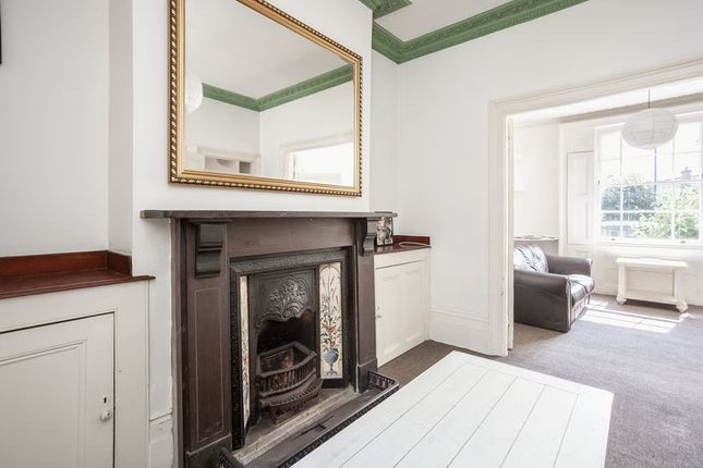 Thumbnail Property for sale in Shrubland Road, London