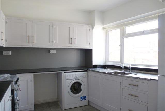 Thumbnail Flat to rent in High Street, Taunton