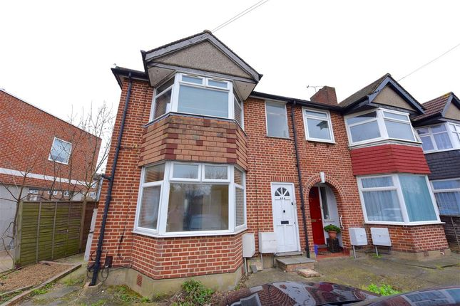 Thumbnail Flat to rent in Hillcross Avenue, Morden