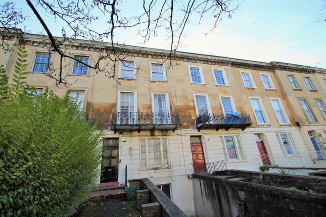 Thumbnail Flat to rent in First Floor Flat, Clifton