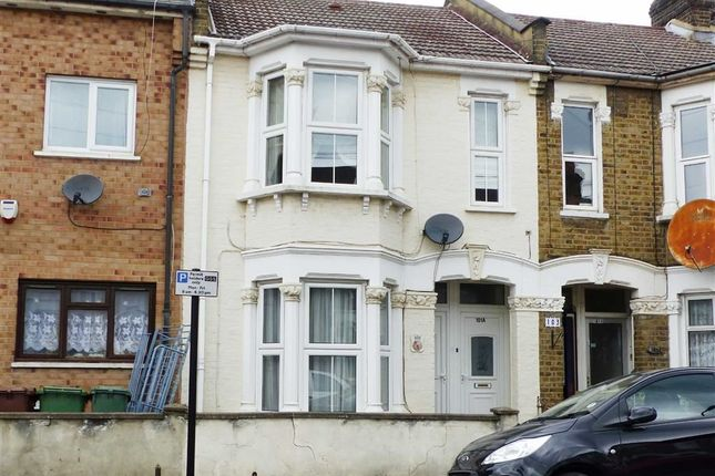 Thumbnail Flat for sale in Ashville Road, London