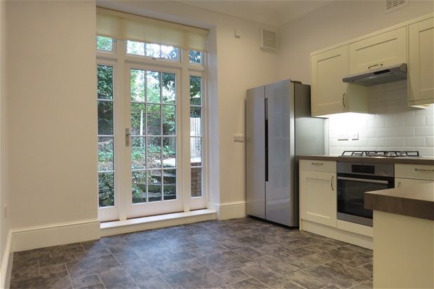 Thumbnail Flat to rent in Dulwich Wood Park, London