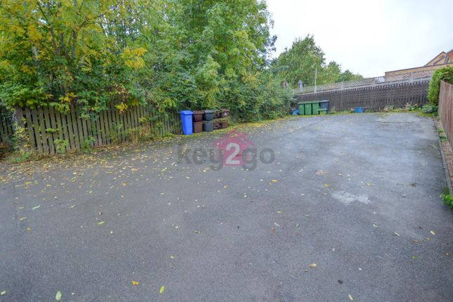 2 bed town house to rent in Hall Meadow Drive, Halfway S20