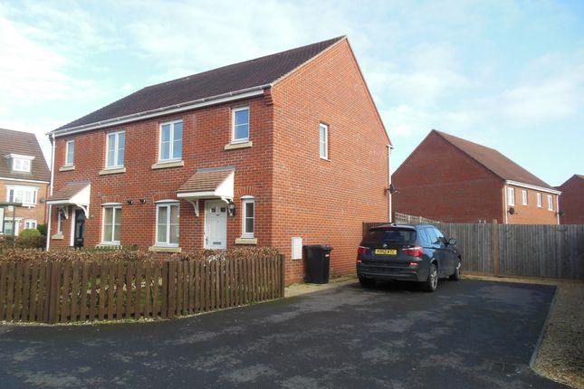 Thumbnail Semi-detached house to rent in Urquhart Road, Thatcham