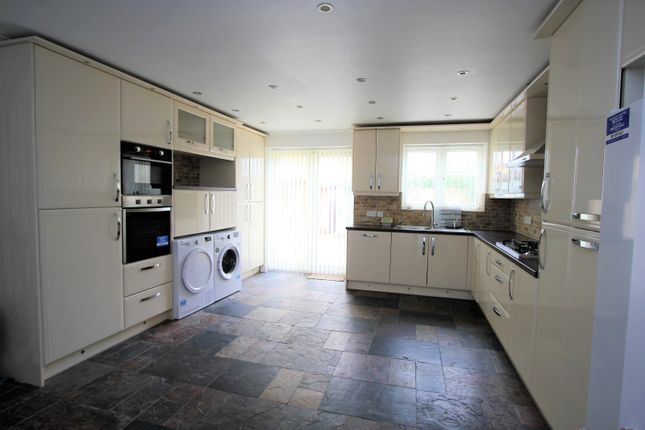 Thumbnail Property to rent in Tollgate Drive, Hayes