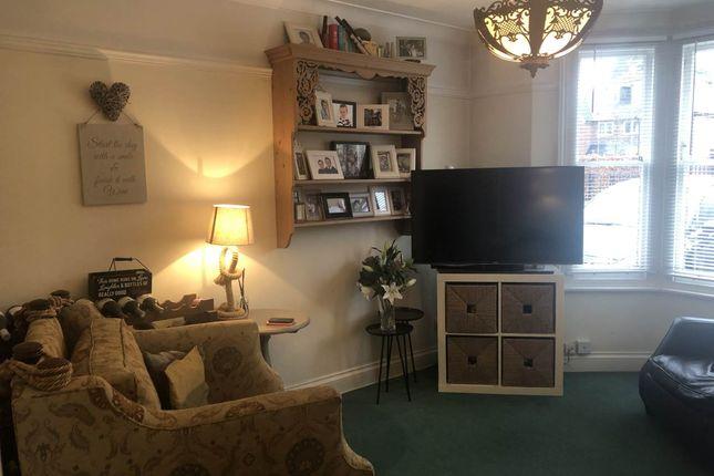 Living Room Image 3
